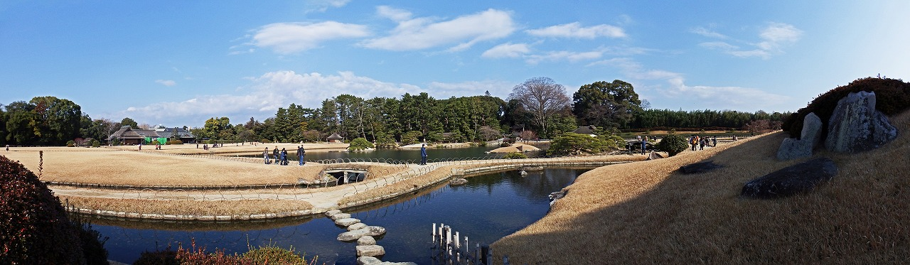 s-20150111 後楽園唯心山西登り口から眺めた今日の園内ワイド風景 (1)