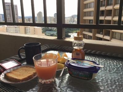 ベランダ朝食