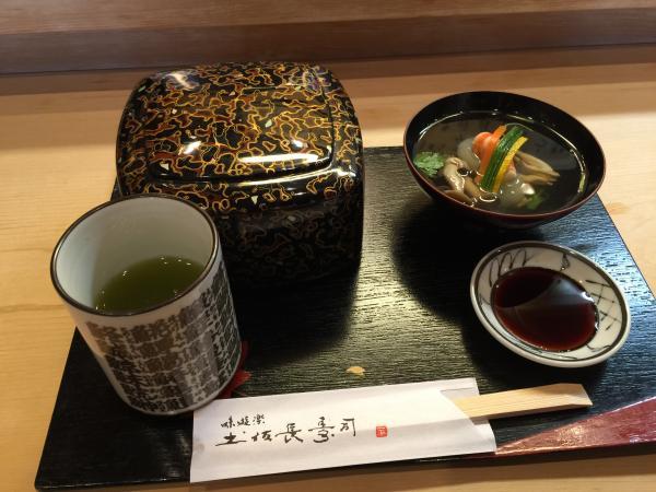 ちらし寿司と吸い物3