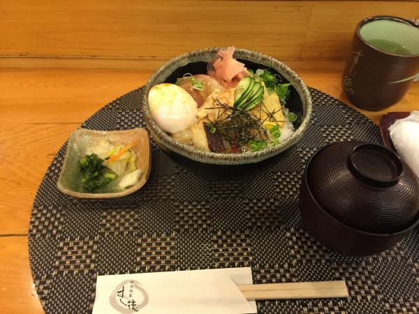 海鮮刺身丼4
