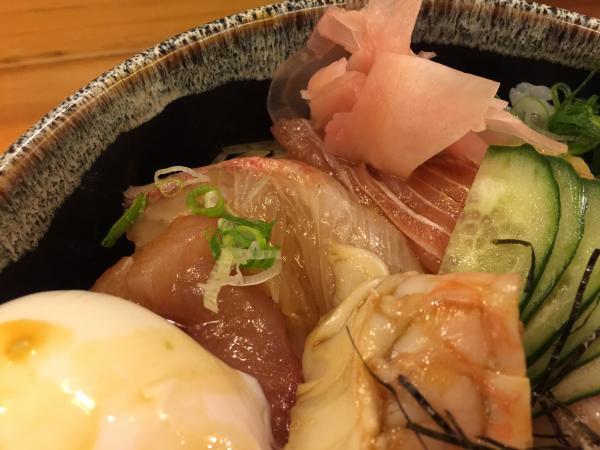 海鮮刺身丼6
