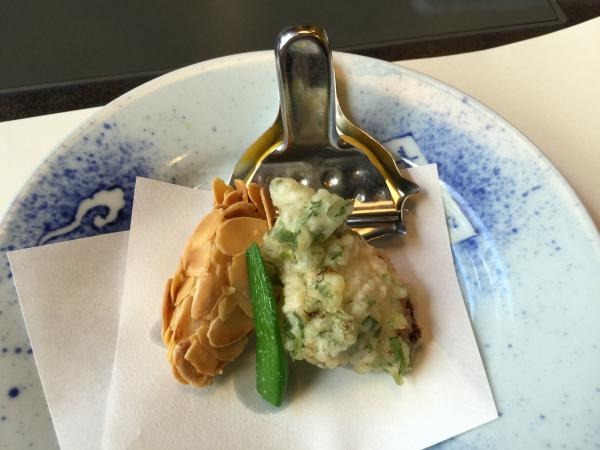 真鱈の菊菜揚げと蟹真丈のアーモンド揚げ9
