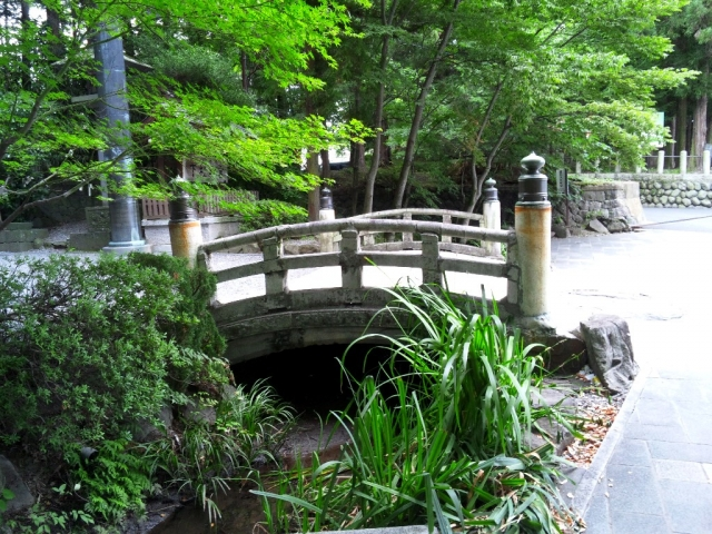 諏訪大社 下社秋宮の参道橋 (3)