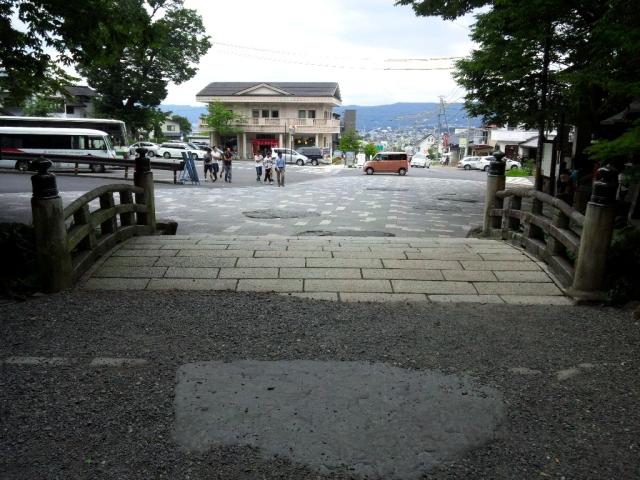 諏訪大社 下社秋宮の参道橋 (6)