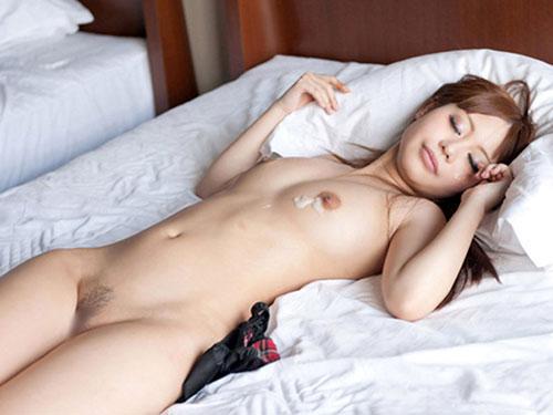 SEX後に放心状態になっちゃってるよっていうエロ画像01_2015091300131296f.jpg