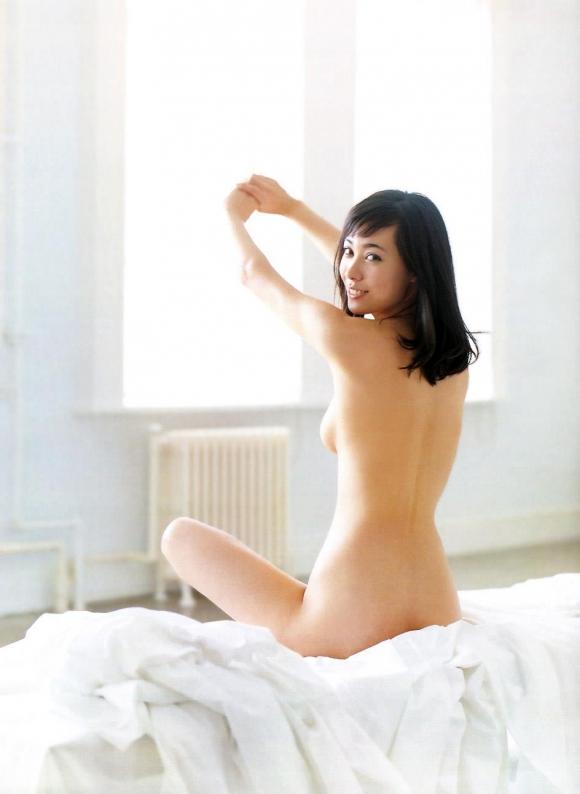 ☆祝☆福山雅治と結婚!吹石一恵のセクシー画像集!!!01_20150928192154da7.jpg