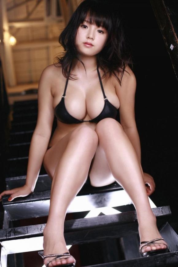 とってもエロい篠崎愛ちゃんのむっちりGカップボディを堪能しようwww②02_201510070124019f4.jpg