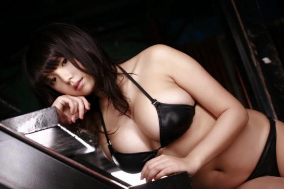 とってもエロい篠崎愛ちゃんのむっちりGカップボディを堪能しようwww②03_20151007012402f80.jpg