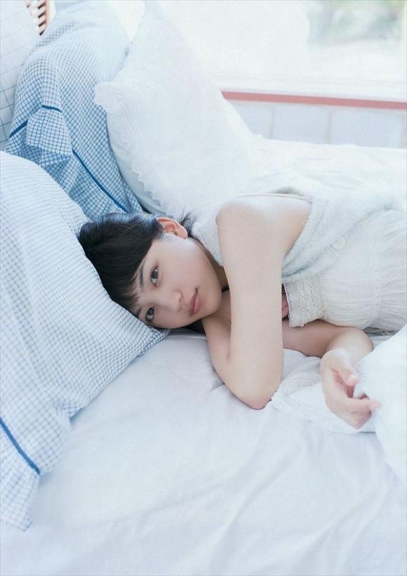 ちっぱい&プリケツが最高にかわいい!川口春奈ちゃんのグラビア画像を50枚集めました!!!04_20151021080142666.jpg