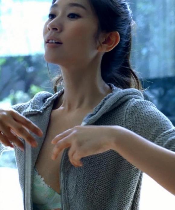 フジテレビ系新ドラマオトナ女子主演の篠原涼子の色気がハンパない件についてwww06_20151019012856a35.jpg