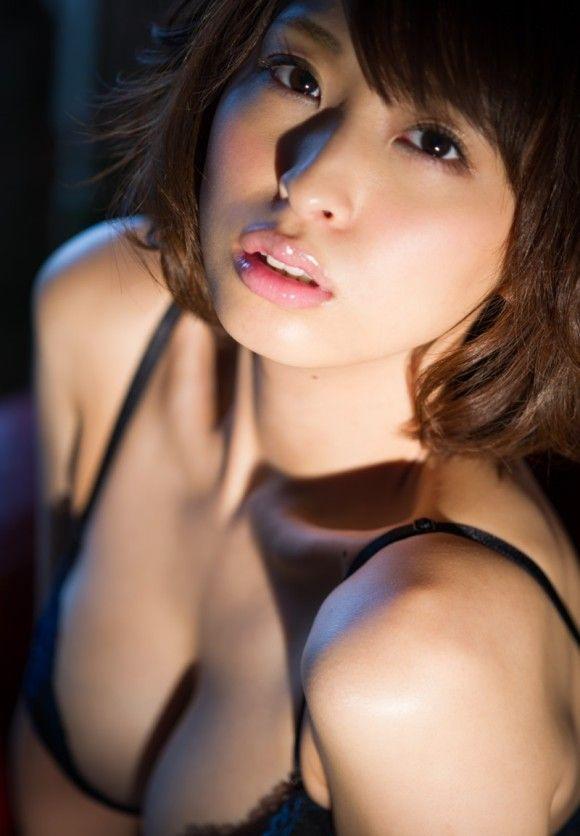 「顔はイマイチだけど・・・おっぱいには自信が有ります!」そんな女子がネットに投稿したエロ画像07_20151025005645fb9.jpg