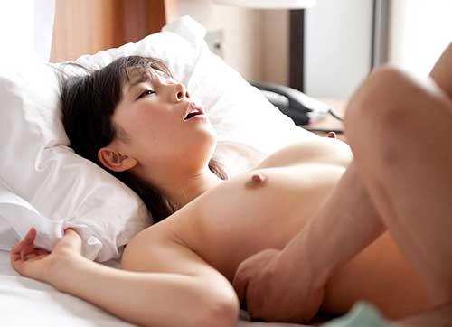 女が好きな体位第1位の正常位エロ画像②12_2015091603034469c.jpg