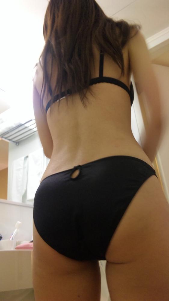 大人の色気を感じる黒下着をつけてる女の子のエロ画像②12_2015091622160705a.jpg