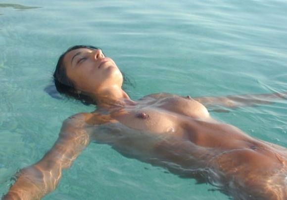 これを見たら絶対に行きたくなる!素晴らしいヌーディストビーチの素敵な光景を見せます!!!12_201510200419238ad.jpg