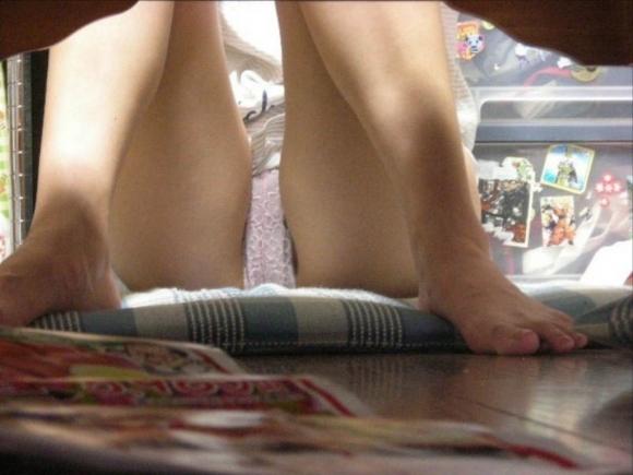 【エロ画像】素人の室内での無防備なトコをこっそりと撮られた姿が妙に生活感があって生々しくてエロいんだけどwwwwwww13_201511181129113c8.jpg