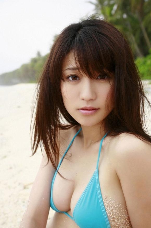 元AKB48大島優子が半ケツ手ブラのエロ画像を量産してる件www15_20151027023541937.jpg