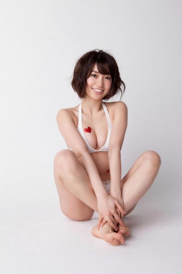 元AKB48大島優子が半ケツ手ブラのエロ画像を量産してる件www19_20151027023558f4c.jpg