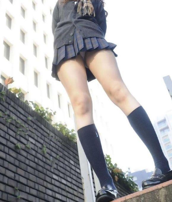 【エロ画像まとめ】JKのパンチラエロ画像が見たい!20_201510231820155af.jpg