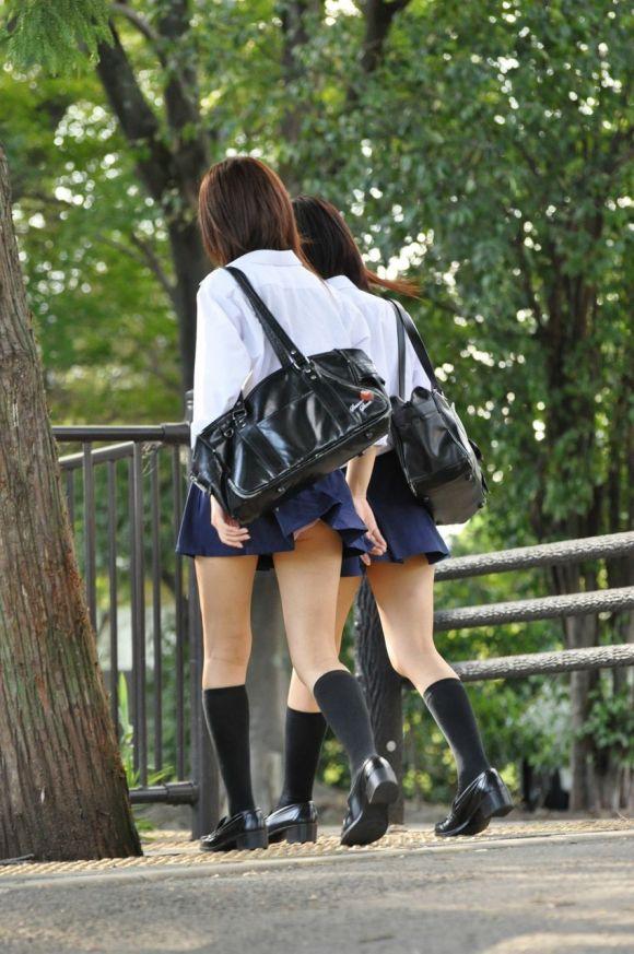 【エロ画像まとめ】JKのパンチラエロ画像が見たい!21_20151023182048d02.jpg