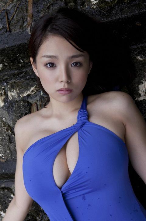 とってもエロい篠崎愛ちゃんのむっちりGカップボディを堪能しようwww④24_20151017200136208.jpg