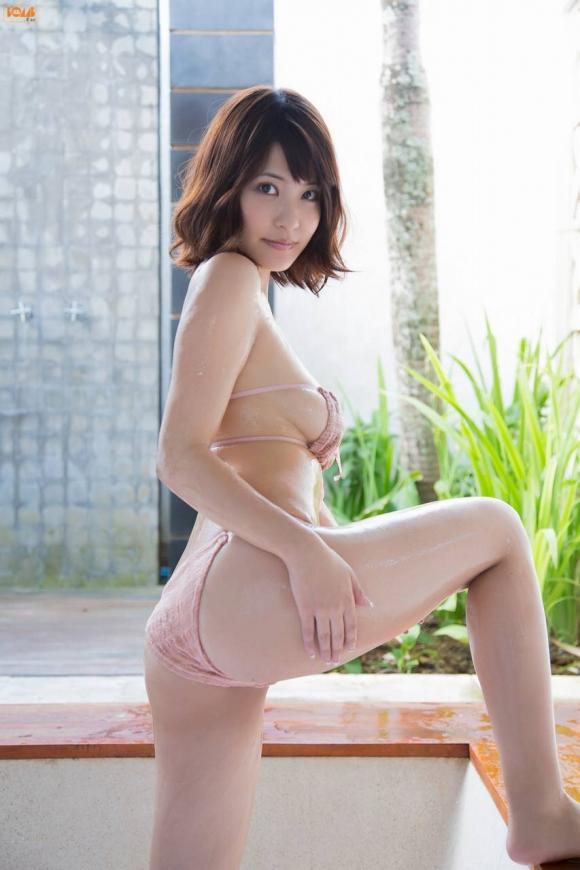 衝撃の横乳!岸明日香ちゃんのセクシー画像集!29_201510020037240dc.jpg