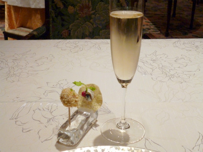 食前のお愉しみとシャンパン