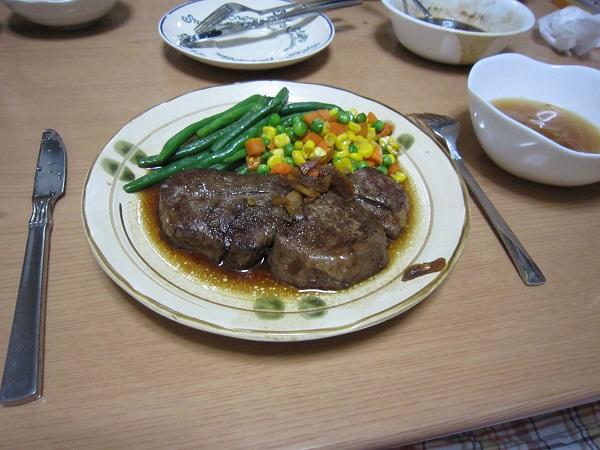 牛ひれのステーキ