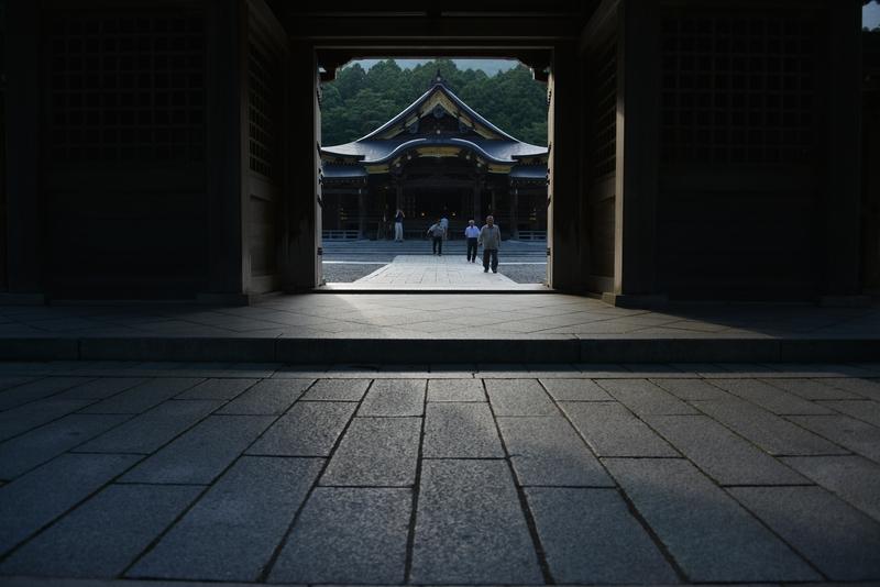 弥彦神社 夕方-3
