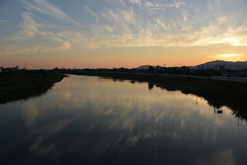 川の夕暮れ-4