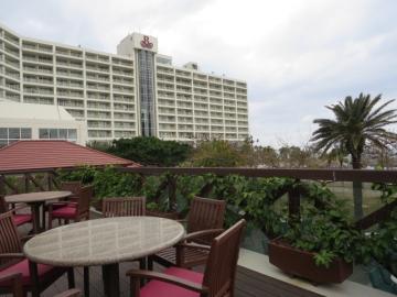 テラス席とホテル