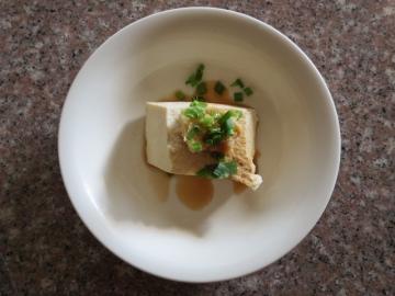 和洋食ビュッフェです。島豆腐もいただいてみました