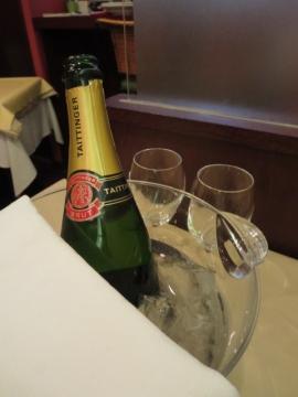 シャンパン(テタンジェ) 7500円(ボトル)