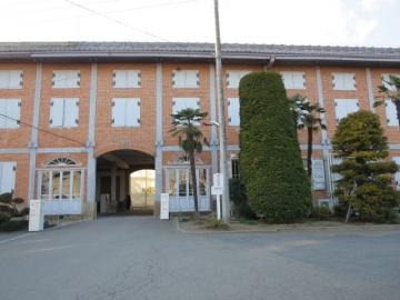 東繭倉庫(重要文化財)