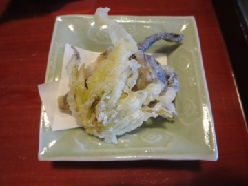 岩魚の骨煎餅、蕗の薹の天ぷら