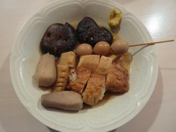 筍、椎茸、里芋、餃子天、鶉の玉子