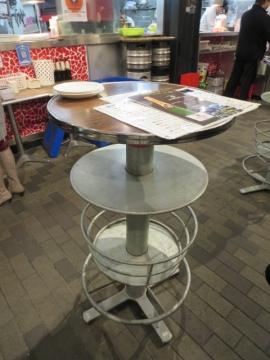 スタンドテーブル