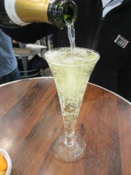 今月の俺のシャンパン 999円