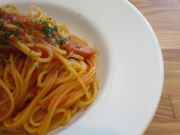 ベーコンのトマトパスタ