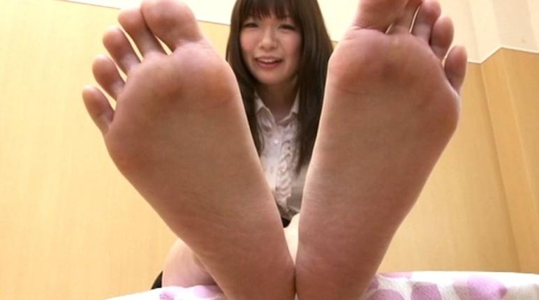 美少女の足裏 18の脚フェチDVD画像3