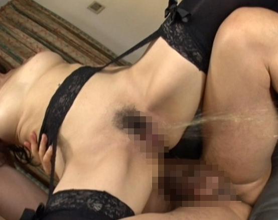 ドスケベ熟女OLが足コキや逆アナル責めしたりハメ潮SEXで絶頂の脚フェチDVD画像5
