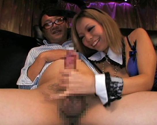 ビッチな黒ギャル女王様がエロいガーターストッキング着衣SEXの脚フェチDVD画像3