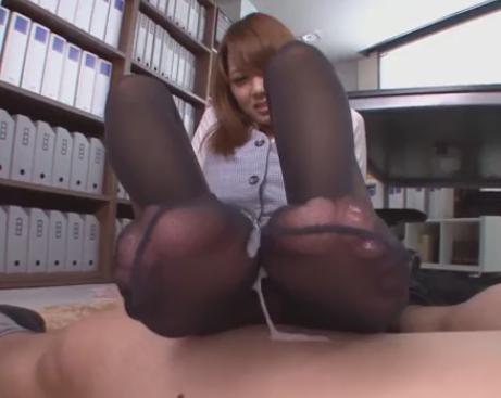 セクシーOLの黒パンスト美脚足コキでザーメンが止まらないの脚フェチDVD画像6