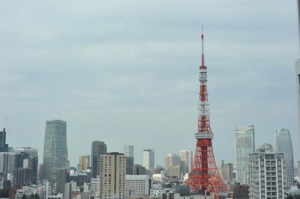 窓から見た東京タワー