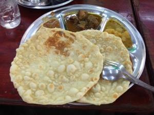 南インド料理店のカレーセット