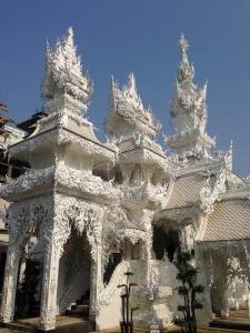タイ寺院らしい様式