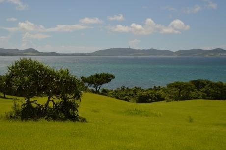4草原と海
