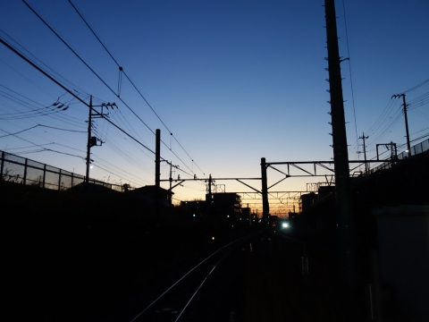 01早朝の駅