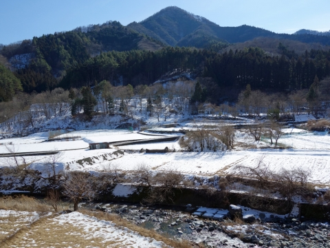 09道の駅近くの雪