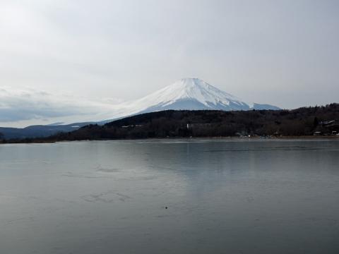 13薄氷の山中湖
