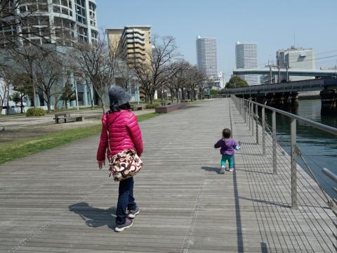 08お母さんとお散歩